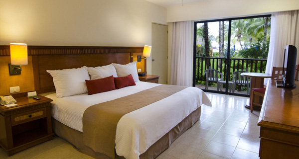 Accommodations - The Reef Coco Beach Resort - All Inclusive